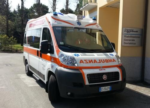 Ambulanza in ricordo di Elena Manfrinati
